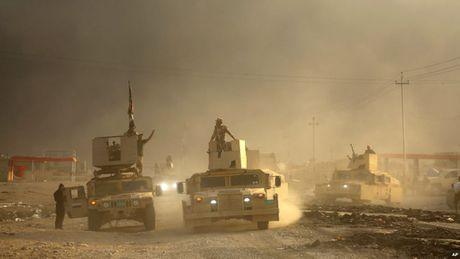 Tuong My hoi thuc nguoi Iraq tang ap luc, tien chiem Mosul - Anh 1