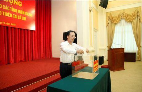 Diem tin 20/10: Bo Xay dung ung ho dong bao mien Trung 1,3 ty dong khac phuc hau qua mua lu - Anh 1