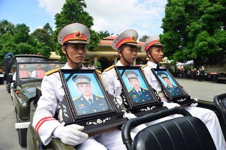 De nghi Thu tuong cong nhan Liet si cho 3 phi cong vu roi truc thang - Anh 1