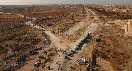 Phien quan no sung khien 3 si quan Nga o Aleppo bi thuong - Anh 1