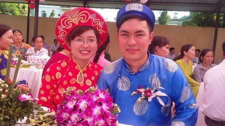 9 cap doi tham gia dam cuoi tap the - Niem hanh phuc nhan muoi - Anh 1