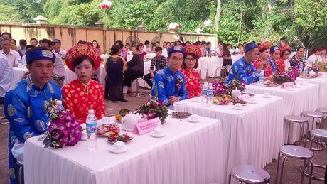 9 cap doi tham gia dam cuoi tap the - Niem hanh phuc nhan muoi - Anh 3