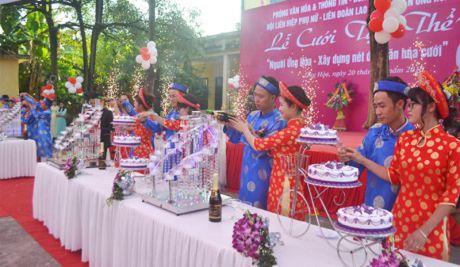 9 cap doi tham gia dam cuoi tap the - Niem hanh phuc nhan muoi - Anh 4