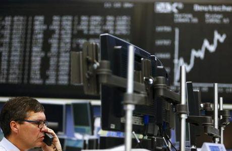 Chung khoan chau Au tang diem sau khi ECB 'an binh bat dong' - Anh 1
