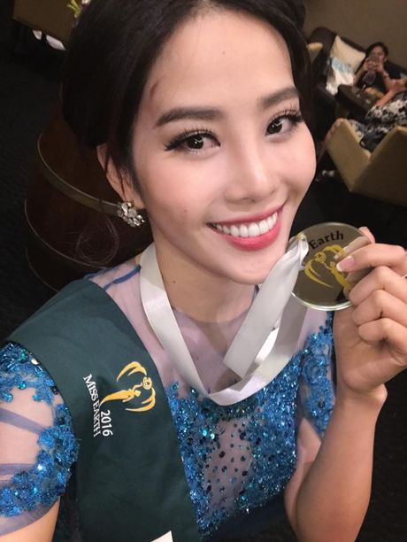 Nam Em tiep tuc gianh huy chuong bac tai Miss Earth 2016 - Anh 2