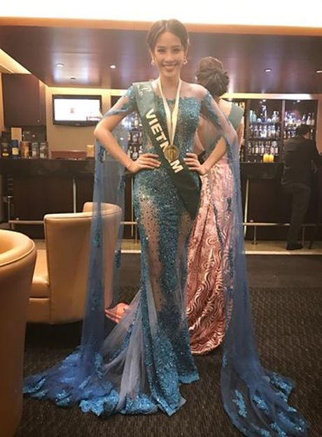 Nam Em tiep tuc gianh huy chuong bac tai Miss Earth 2016 - Anh 3