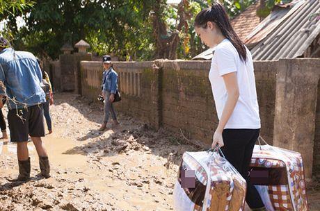 Phan Anh chia se ly do ngung nhan tien ung ho mien Trung; Nam Em gianh tiep huy chuong bac Miss Earth - Anh 8