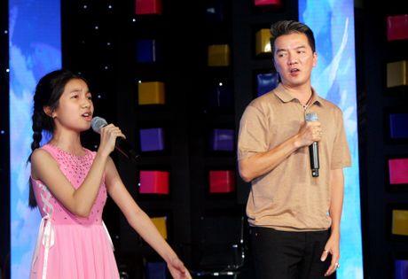 Dam Vinh Hung song ca cung thi sinh Nguoi hung ti hon o dem chung ket - Anh 6