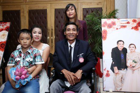 Dam cuoi 'khong lo' 60 cap doi o Sai Gon: Khi con tim nghen lai - Anh 8