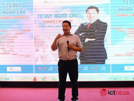 Chu tich FPT Truong Gia Binh chia se 3 yeu to giup doanh nghiep truong ton - Anh 1