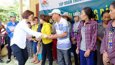 Tap doan Truong Thinh ho tro dong bao vung lu 1 ty dong - Anh 4
