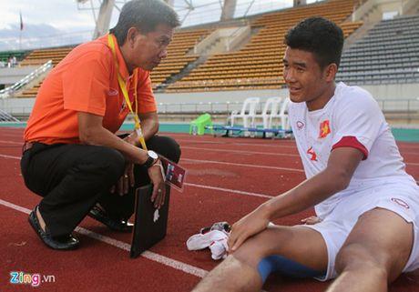 Giot nuoc mat vi hoc tro cua HLV truong U19 Viet Nam - Anh 1