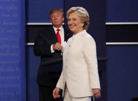 Ong Trump, ba Clinton va noi am anh Putin - Anh 1