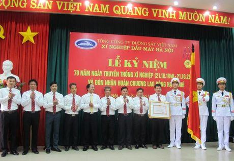 Xi nghiep dau may Ha Noi don nhan Huan chuong Lao dong hang Nhi - Anh 1