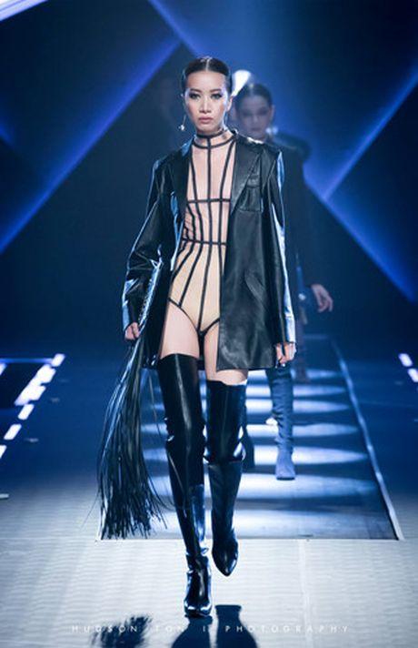 Dan mau Top Model do bo show dien cua NTK Chung Thanh Phong - Anh 11