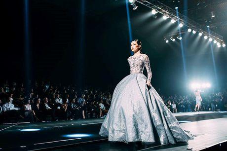 Dan mau Top Model do bo show dien cua NTK Chung Thanh Phong - Anh 15