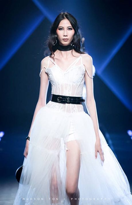 Dan mau Top Model do bo show dien cua NTK Chung Thanh Phong - Anh 16