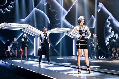 Dan mau Top Model do bo show dien cua NTK Chung Thanh Phong - Anh 1