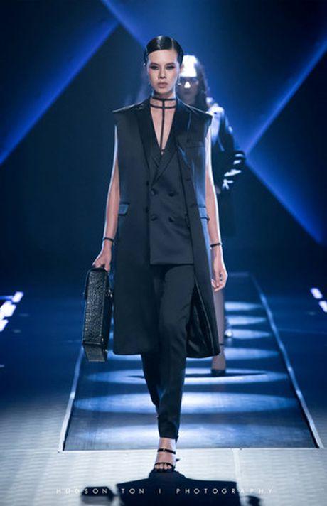 Dan mau Top Model do bo show dien cua NTK Chung Thanh Phong - Anh 5