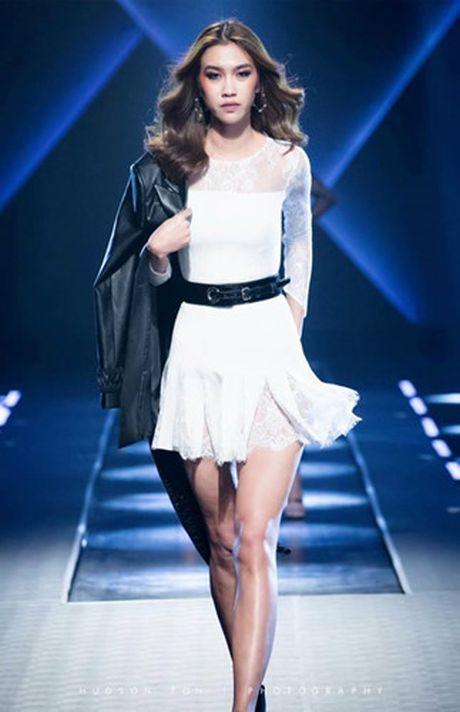 Dan mau Top Model do bo show dien cua NTK Chung Thanh Phong - Anh 6
