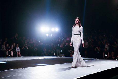 Dan mau Top Model do bo show dien cua NTK Chung Thanh Phong - Anh 7