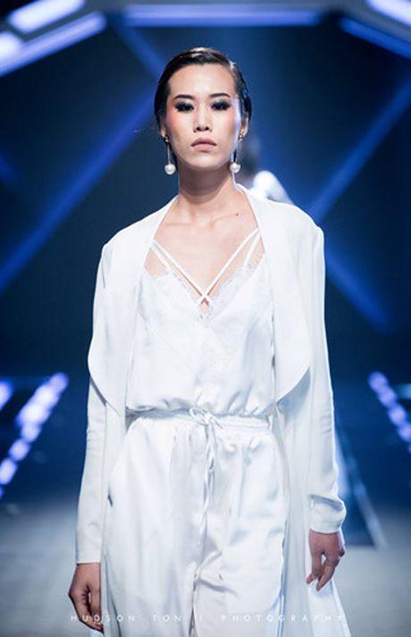 Dan mau Top Model do bo show dien cua NTK Chung Thanh Phong - Anh 8