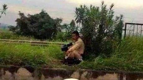 CSGT nup cay ban toc do: Dan co duoc quay camera? - Anh 1