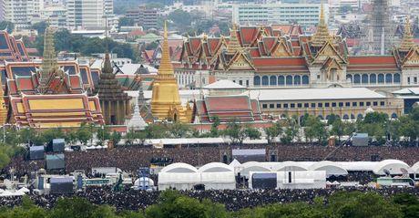 Dam dong khong lo hat hoang ca tuong nho vua Thai Lan - Anh 3