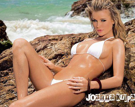 Joanna Krupa - fan nu Liverpool dot nong ca bai bien Miami - Anh 10