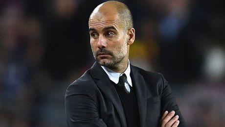 HLV Guardiola dap tra chi trich sau chuoi tran khong thanh cong - Anh 1