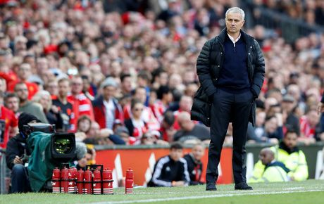 Mourinho lan dau chia se ve khoang thoi gian sau khi bi Chelsea sa thai - Anh 1