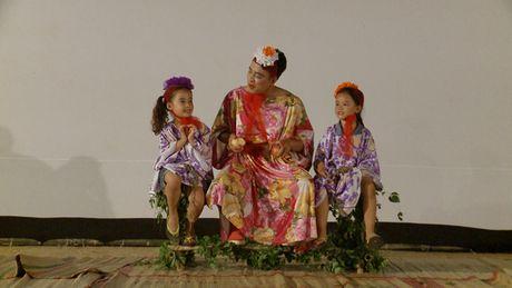 Tran Thanh cham mat Hari Won, Quang Dang tro tai phun lua - Anh 1