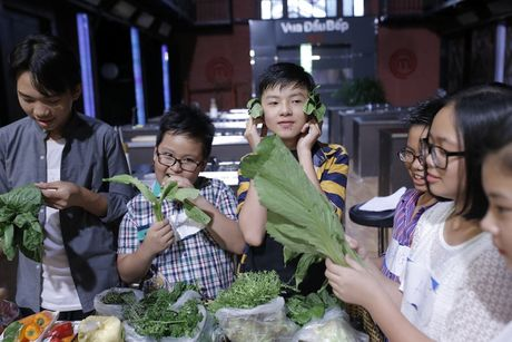 Tran Thanh cham mat Hari Won, Quang Dang tro tai phun lua - Anh 4