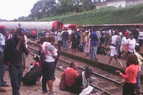Cameroon: Tau hoa trat banh, gan 655 nguoi thuong vong - Anh 4