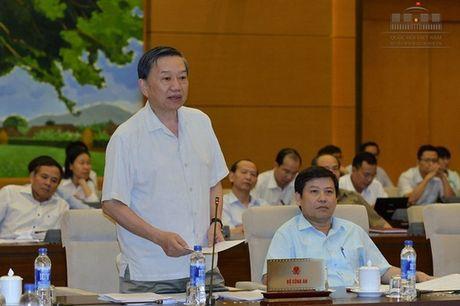 Bo Cong an noi ve xu ly thong tin sai su that vu nuoc mam nhiem asen - Anh 1