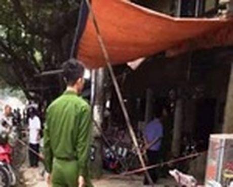 Yen Bai: Bat duoc nghi pham sat hai 2 nguoi tren ban nhau - Anh 2