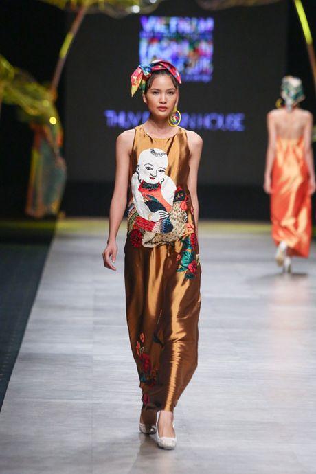 Nhung man trinh dien duoc mong doi nhat Vietnam International Fashion Week 2016 - Anh 3
