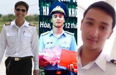 Chu tich nuoc tang Huan chuong Bao ve To quoc cho 3 phi cong hi sinh - Anh 1