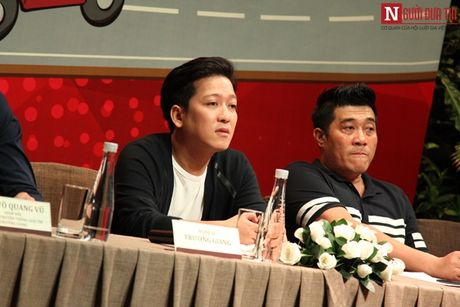 Truong Giang thoai mai om eo, khoac tay 'gai la' - Anh 9