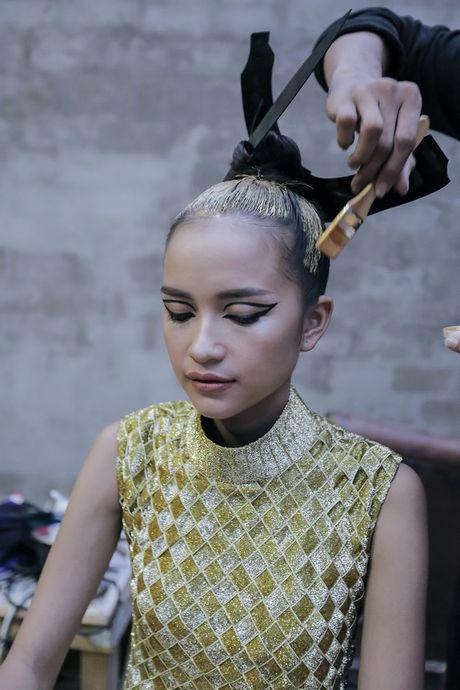 Hau truong Ngoc Chau chuan bi cho Vietnam International Fashion Week Thu Dong 2016 - Anh 2