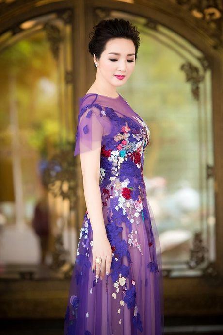 Hoa hau Giang My noi bat giua dan my nhan, khoe dang nuot na - Anh 1