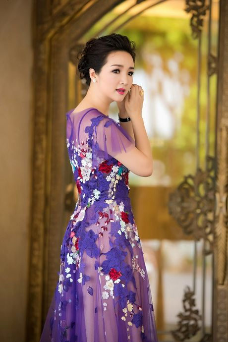 Hoa hau Giang My noi bat giua dan my nhan, khoe dang nuot na - Anh 3