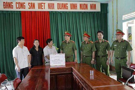 Tong cuc VIII – Bo Cong an den voi nhan dan vung lu huyen Huong Khe - Anh 6