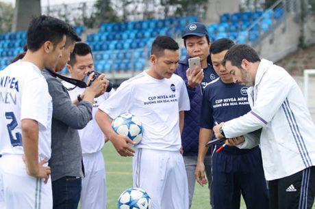 """Sao """"bong da phui"""" Viet Nam thich thu tap cung dong su Zidane - Anh 11"""