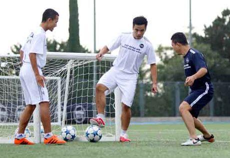 """Sao """"bong da phui"""" Viet Nam thich thu tap cung dong su Zidane - Anh 9"""