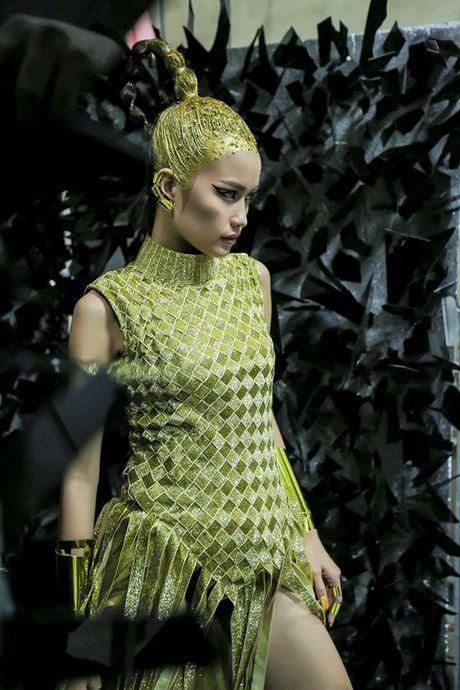 Ngoc Chau an mi goi, tat ta chuan bi cho 'Vietnam International Fashion Week' - Anh 7