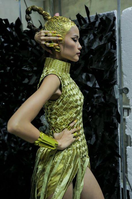 Ngoc Chau an mi goi, tat ta chuan bi cho 'Vietnam International Fashion Week' - Anh 8