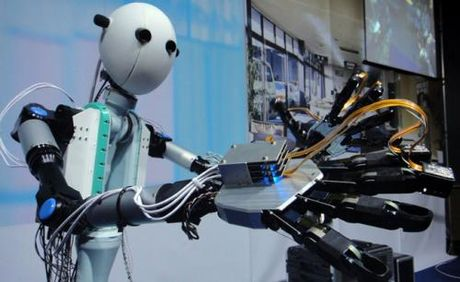 Cong nghe robot phat trien, DH truyen thong se song the nao? - Anh 1