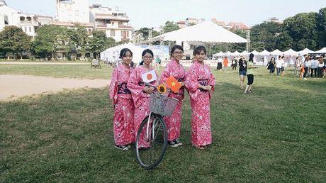 Tieng Viet duoc ton vinh trong ngay hoi giao luu van hoa - Anh 1