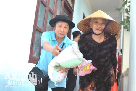 Vuot song ve voi dong bao ron lu Tuyen Hoa, Quang Binh - Anh 12